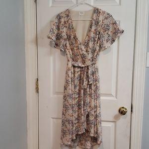 3/$15 Beautiful floral mock wrap dress